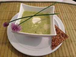 low-carb-zucchinicremesuppe