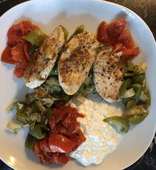 Low Carb Rezept mit Hühnchen und Gemüse